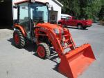 Kubota B3350 4WD diesel tractor with cab and ...